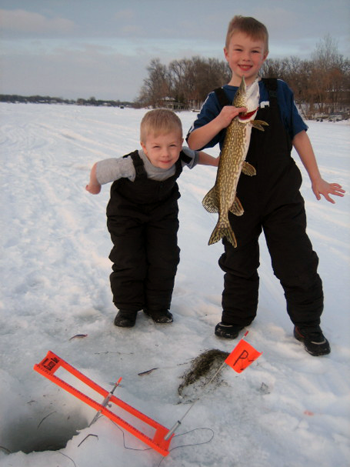 How to use ice fishing  tip-ups for bass and northern pike